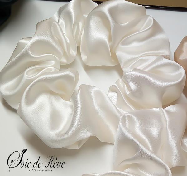 chouchou-en-soie-blanc