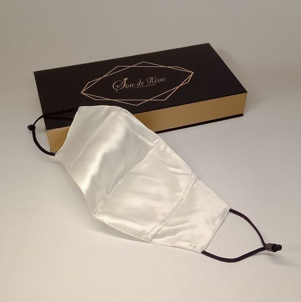 masque-de-protection-en-soie-blanc-avec-filtre-interieur
